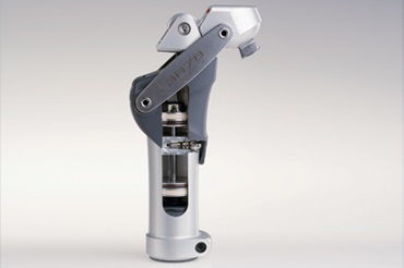 Knee joint prosthesis with iglidur piston rings by Otto Bock HealthCare GmbH